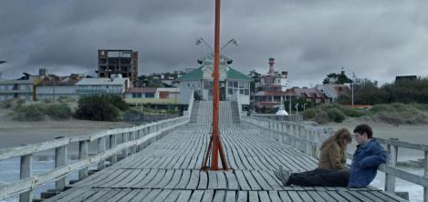 pareja en un puente